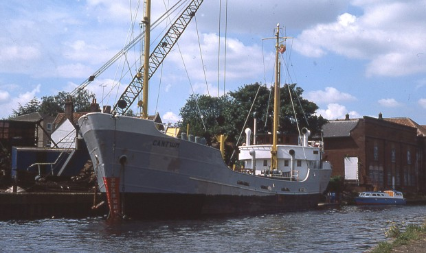 Loading scrap metal at Wensum Wharf Norwich, c 1978