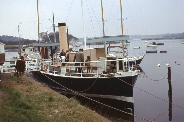 THE STEAMER YARMOUTH on the River Deben