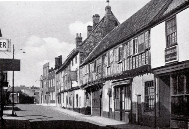 FINE ROW OF HOUSES IN KING STREET, before Tomm Watts ruined the ground floor.