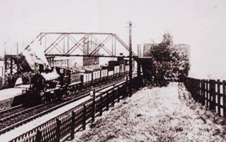 Goods train at Drayton