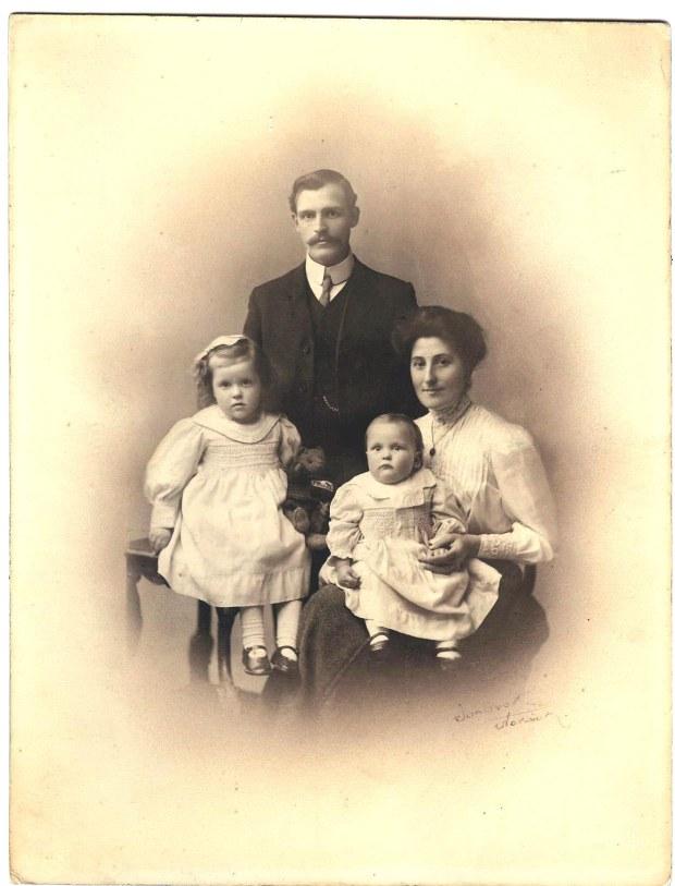 WILLIAM MASON & FAMILY, 1912.