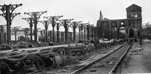 Ciity Station after the wartime bombing.