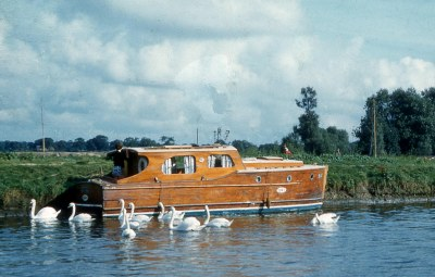 The river Waveney at Beccles, 1958
