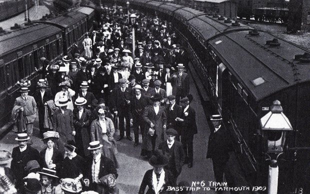 The Bass trip to Yarmouth in 1909 required 15 special trains from Burton on Trent.