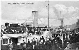 The arrival of the London paddle steamer at Yarmouth