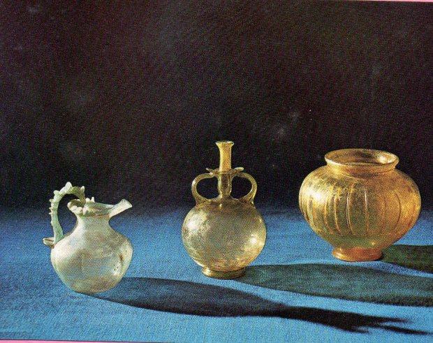Roman glassware (Colchester).