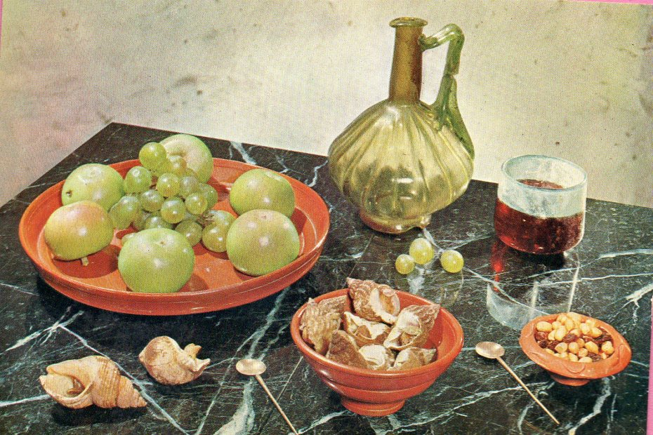 How a Roman dinner table might have looked.